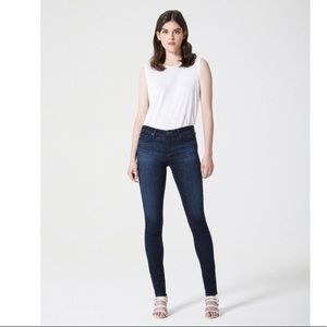 AG The Legging Super Skinny Jeans Millstream 27R
